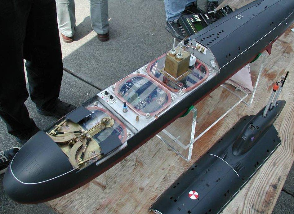 корпус подводной лодки сделан из